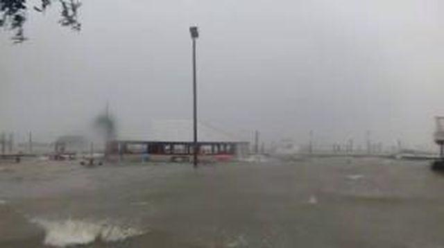 Hurricanetrack.com Mark Sudduth Murrels Inlet Cam (Matthew)