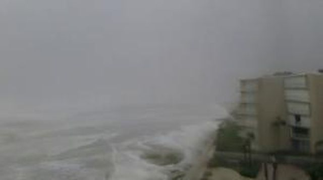 Hurricanetrack.com Mark Sudduth NSB Pelcian Webcam (Matthew)