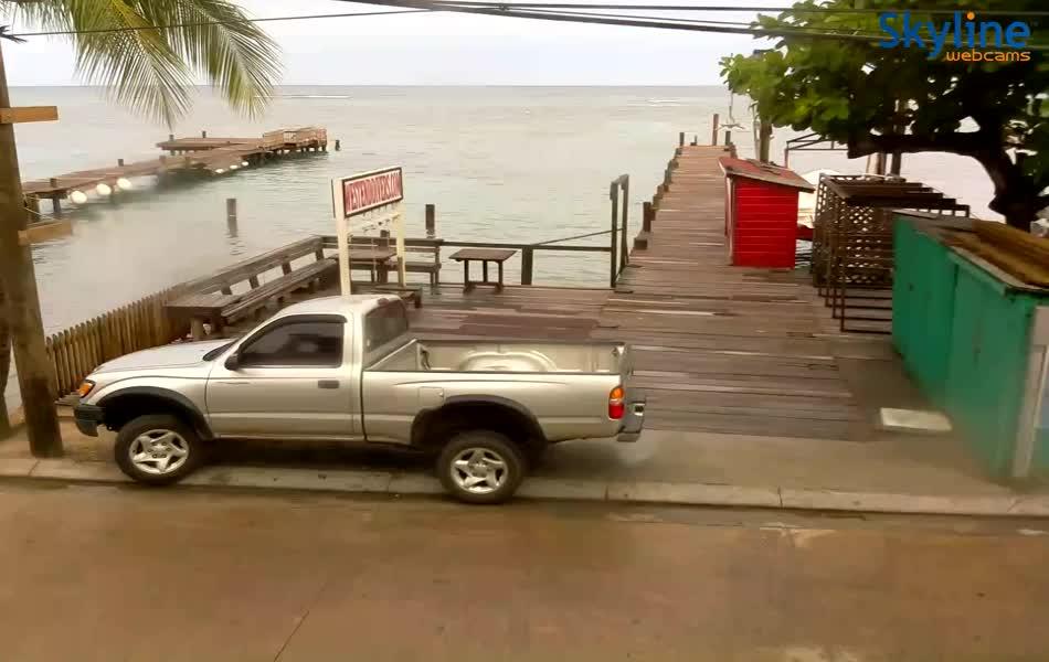 Roatán Honduras Webcam Recording Earl Approach (2016)